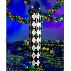 Harlequin black & white patterned columns -- a full 11 feet tall. Sure to make an impression. How cool are these???