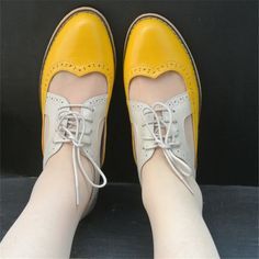2017 women flat oxford sandals genuine leather handmade flats green black yellow oxfords shoes for women free from Mega Sales. Saved to Shoes. Oxford Shoes Outfit, Women Oxford Shoes, Oxford Flats, Casual Shoes, Shoes Women, Lacoste Sneakers, Me Too Shoes, High Heel Pumps, Accessories