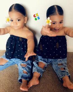 @BARBiiESOSA Lil Baby, Little Babies, Cute Babies, Baby Kids, Baby Family, Cute Family, Family Goals, Baby Girl Fashion, Toddler Fashion