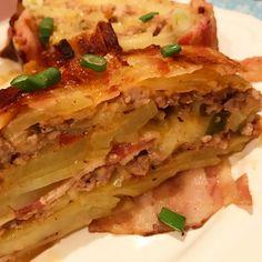 Baconos-húsos krumpli tekercs sok sajttal (rakott krumpli másképpen)