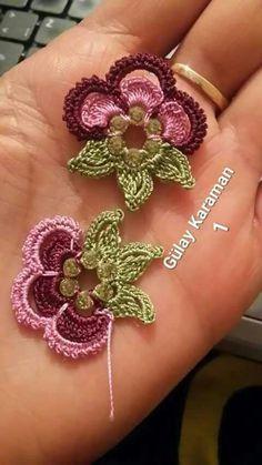 Crochet Leaf Patterns, Crochet Leaves, Crochet Flowers, Freeform Crochet, Bead Crochet, Irish Crochet, Motifs Roses, Crochet Embellishments, Fabric Flower Brooch