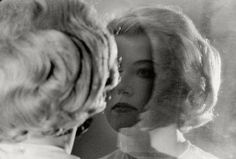 Cindy Sherman 1980. Sad the MoMA's retrospective is closing today.