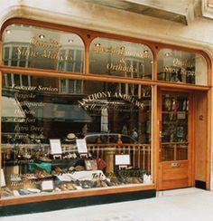 shop-front.jpg (352×365)