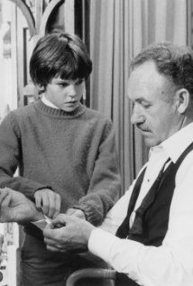 Misunderstood (1984) starring Gene Hackman, Henry Thomas, Rip Torn, and directed by Jerry Schatzberg. After his wife dies an often absent father (Gene Hackman) must raise his two sons on his own.