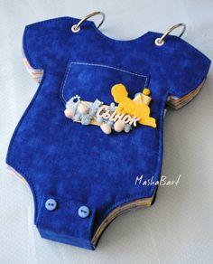 Hand Made with Love Kids Scrapbook, Mini Scrapbook Albums, Scrapbook Journal, Scrapbooking, 3d Paper Crafts, Felt Crafts, Baby Photo Books, Baby Mini Album, Baby Shawer