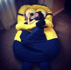 Funny pictures about I May Need This Minion Bed In My Life. Oh, and cool pics about I May Need This Minion Bed In My Life. Also, I May Need This Minion Bed In My Life photos. Minions Love, My Minion, Minion Stuff, Minion Beanie, Minions Fans, Minion Banana, Minion Jokes, Minion Party, Geek Decor
