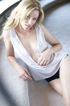 Elizabeth Banks - Full size - Page 5