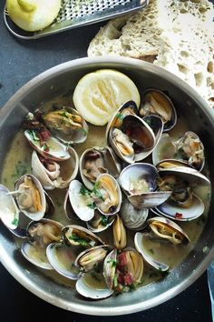 This Steamed Clams With White Wine, Butter, Pancetta, Lemon And Garlic recipe is featured in the Cooking with Wine feed along with many more. Shellfish Recipes, Seafood Recipes, Wine Recipes, Florence Food, Wine Butter, Steamed Clams, Little Neck Clams, Garlic Recipes, Fish And Seafood