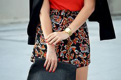 ZARA BLACK FLORAL PAISLEY PRINTED MINI A LINE SHORT SKIRT WITH A FRONT ZIP