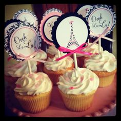 French & Paris themed cupcake toppers for bridal shower. Detalles & Vainas creations.  Photography: My Iphone :)