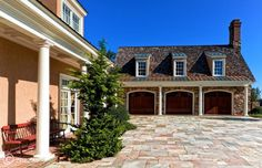 Love this garage. And driveway.