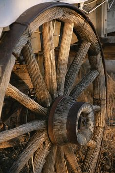 Wagon Wheel on Covered Wagon at Bar 10 Ranch Near Grand Canyon Photographic Print Old West, Country Life, Country Living, Country Walk, Instalation Art, Old Wagons, Covered Wagon, Down On The Farm, Le Far West