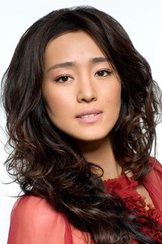 The sophisticated Gong Li ...  Appetizing Charm...   She starred as Lady Zhao in The Emperor and the Assassin (1998)