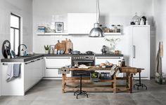 NIEUW! De vtwonen keuken. Houten of witte fronten, eiland of hoek, strakke tegels of liever een patroon? Stel zelf je je droomkeuken samen.