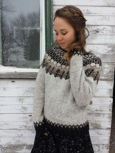 Wood Folk Knits - Julia Reddy – Tolt Yarn and Wool Fair Isle Knitting Patterns, Fair Isle Pattern, Knit Patterns, Icelandic Sweaters, Wool Sweaters, Ropa Free People, Punto Fair Isle, Diy Laine, How To Dress For A Wedding