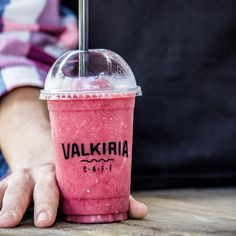 Que tal um smoothie para refrescar o dia? (Valkiria Café, Porto Alegre, RS, Brasil)
