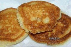 SOUTHERN FRIED CORNBREAD 2/3 cup cornmeal 1/3 cup self rising flour 1/3 cup low fat buttermilk 1 large egg oil for frying Directions: Combine first 4 ingredients together in a bowl, mixing well. Mixture should be very moist but not soupy. Heat oil in skillet and drop by spoonfuls into oil. Cook til brown on one side and flip (it cooks kind of like a pancake) to brown on the other side. Place on plate with paper towels and blot any excess oil.