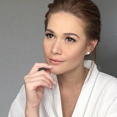 """Bea #inmymakeupchair"" Bea Alonzo Movies, Asian Celebrities, Celebs, Filipina Beauty, Art Reference, Drop Earrings, Girls, Instagram, Fashion"