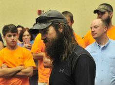 "During a talk at the Tennessee Valley Hunting and Fishing Expo today, Jase Robertson of the popular reality show ""Duck Dynasty"" shared his views on everything from the Bible to beards. Jase Robertson, Robertson Family, In God We Trust, Faith In God, Duck Dynasty Cast, Maryland, Romans 8 31, Disney Fun Facts, 4 Sisters"