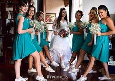 Bridesmaid Dresses, Prom Dresses, Bridesmaids, Wedding Sneakers, Wedding Converse, Chuck Taylors Wedding, Vestidos Tiffany, Dress With Converse, Wedding Inspiration