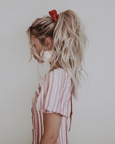 Christmas hairstyle high ponytail with lots of volume / blonde hair / Kirsten Ze., HAİR STYLE, Christmas hairstyle high ponytail with lots of volume / blonde hair / Kirsten Zellers. Blonde Ponytail, Braided Ponytail Hairstyles, Messy Blonde Hair, Blonde Hair Girl, Blonde Hairstyles, Updo Hairstyle, Prom Hairstyles, High Ponytails, High Ponytail With Braid