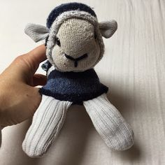 Annies DIY: Sock Sheep - ein Sockenschaf namens Emma