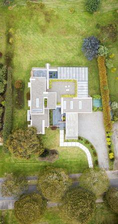Galería de Casa Pergŭla / David Macias - 1 Modern Family House, Modern House Plans, Patio Deck Designs, Floor Layout, David, My House, Modern Design, Arch, Villa