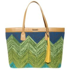 Missoni Wool Tote Bag ($422) ❤ liked on Polyvore featuring bags, handbags, tote bags, tote handbags, missoni, wool tote bag, tote bag purse and missoni handbags