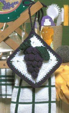 Crochet Crocheting Pattern for a Bunches of Fun Grape Towel Topper - EarthPin Crochet Potholders, Crochet Kitchen, Xmas Gifts, Pot Holders, Crocheting, Projects To Try, Crochet Patterns, Winter Hats, Towel