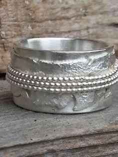 Brede grove zilveren ring