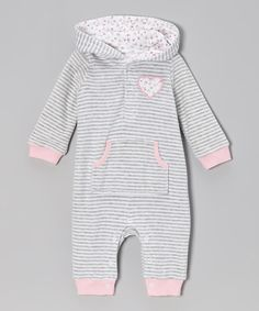 Featuring a precious appliqué, comfy cuffs, and snaps under the neckline and on bottom, this romper is the perfect model of dressing made fun. Thanks to its cool hood, kangaroo pocket and luxuriously soft velour, cuties will feel warm and cozy in it.58% cotton / 42% polyesterHood lining: 100% cottonMachine wash; tumble ...