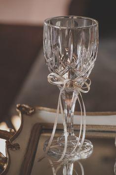 σετ γαμου δίσκος-καράφα-ποτήρι Mason Jar Wine Glass, Wedding Ideas, Tableware, Wedding, Dinnerware, Dishes