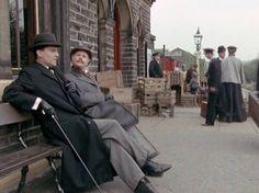 Sherlock Holmes (Jeremy Brett) and John Watson (Edward Hardwicke).
