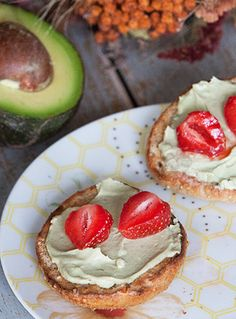 Whole Grain Bagels With Avocado Cream Cheese: Prep Time: 20-25 Minutes, Plus 1½ Hours Rising  Cook Time: 33-35 Minutes  Makes: 12 Bagels
