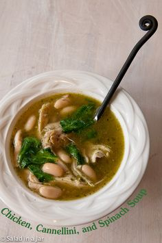 Chicken, Cannellini, and Spinach Soup - Only 5 ingredients away from a quick and healthy soup. Especially good after a weekend of indulgence.