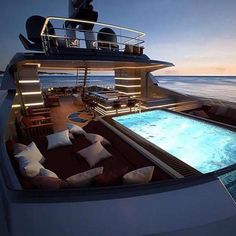 Before starting your next interior design project, discover with Luxxu the best modern furniture and lighting for your boat! Find it all at luxxu.net