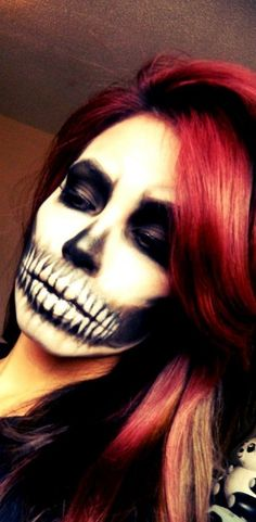 skull face makeup... wow thats skill!! I almost put this under art because my gosh this is amazing... Its one thing to paint a canvas, but quite another to paint a face!