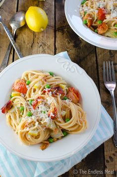 This easy to make smoked salmon pasta is loaded with smoked salmon and artichokes and had a bright lemony flavour. Dinner on your table in 20 minutes!