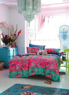 Dormitorios con mucho color