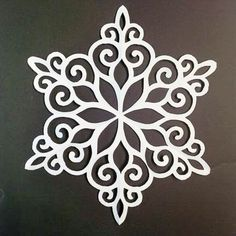 Unfolded paper snowflake – # unfolded – My CMS Paper Snowflakes, Paper Stars, Paper Snowflake Designs, Snowflake Snowflake, Stencil Patterns, Stencil Designs, Diy Paper, Paper Crafts, Christmas Crafts
