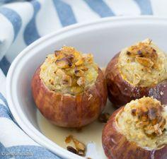 Uma receita saudável de maçã assada recheada com aveia, para começar bem o dia. Dá, ainda, uma excelente sobremesa ou lanche!