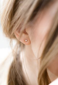 ANNA Inspiring Jewellery Ear Studs SMALL HEART in 18 ct. Rose Gold with 6 White Diamonds 0.006 ct.