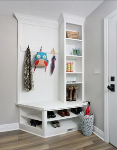 Here are the Small Mudroom Bench Design Ideas. This post about Small Mudroom Bench Design Ideas was posted under the … Rustic Entryway, Entryway Decor, Entryway Ideas, Hallway Ideas, Small Mudroom Ideas, Mudroom Storage Ideas, Stair Storage, Closet Storage, Bench Storage