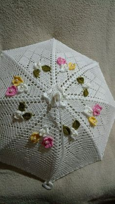 cobre bolo feito em crochet. Pode ser feito em varias cores.