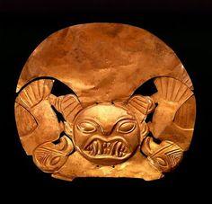 Pieza de oro  Museo del Oro  Peru