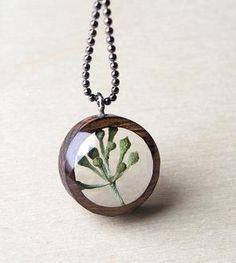 Eucalyptus & Wood Necklace