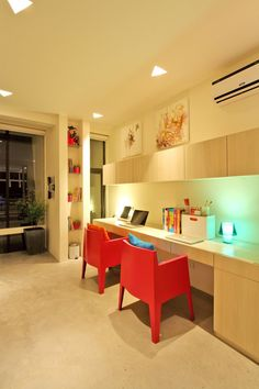 Comfort Home Office Design in Modern Townhouse at Philippines