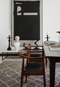 Take a look at this mid-century modern interior design with dazzling mid-century furniture www. Decoration Inspiration, Interior Design Inspiration, Home Interior Design, Interior Architecture, Design Ideas, Design Projects, Mid Century Modern Bedroom, Dining Room Design, Dining Rooms