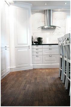 Bildresultat för kök mörkt trägolv