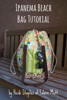 This is a VERY nice beach bag designed and sewn by Heidi Staples of the Fabric Mutt who is also the author of SEW ORGANIZED FOR THE BUSY GIRL.This bag is perfect for